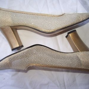 Apostrophe Coretta Gold Glitter Shoes